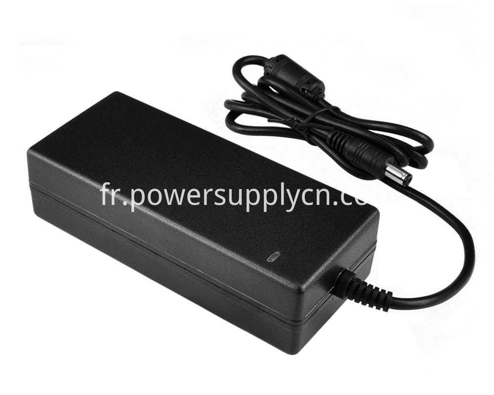 Universal 100-240Vac Power adapter